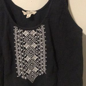 Decree Tops - Decree black and white embroidered Crop Top XL